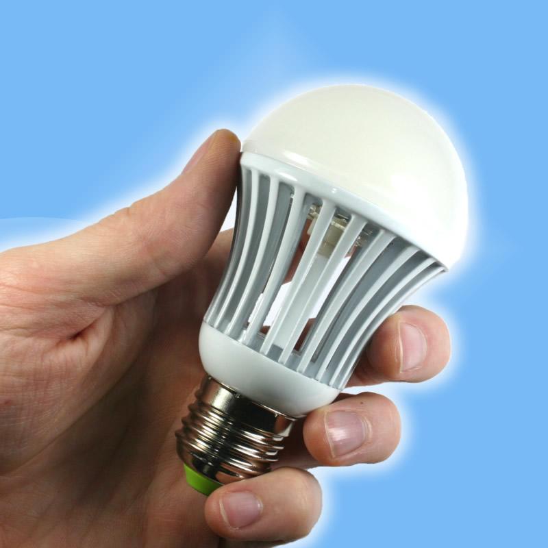 Super LED 4W 360 a 400Lm E27 náhrada 40W žiarovky