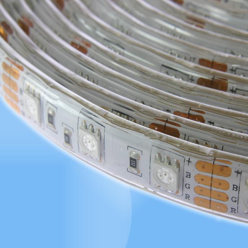 Vysokosvietivý farebný RGB LED pás 300 LED 11.6W/m